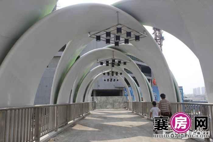 汉水华城底商天桥实景