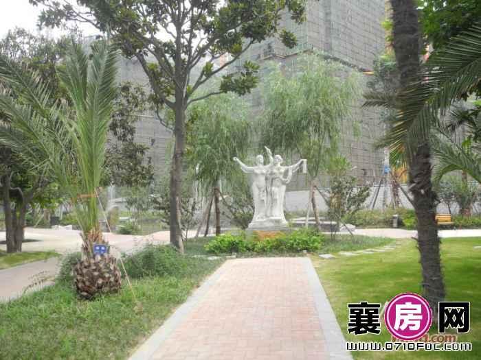 梧桐湾小区园林雕像实景