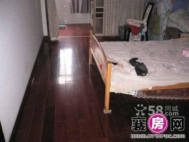 庞公家园 3室2厅2卫 162㎡  稀缺户型和面积,南北通透,通风采光极好,居家首选。