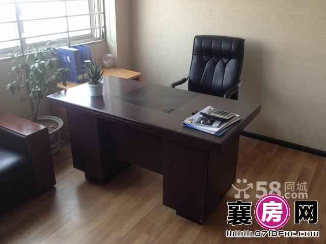 转租_世纪金源1108号_送20M光纤办公桌椅处理