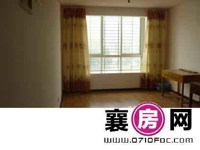 襄城二桥武商 3室2厅130平米 中等装修 年付(个人)