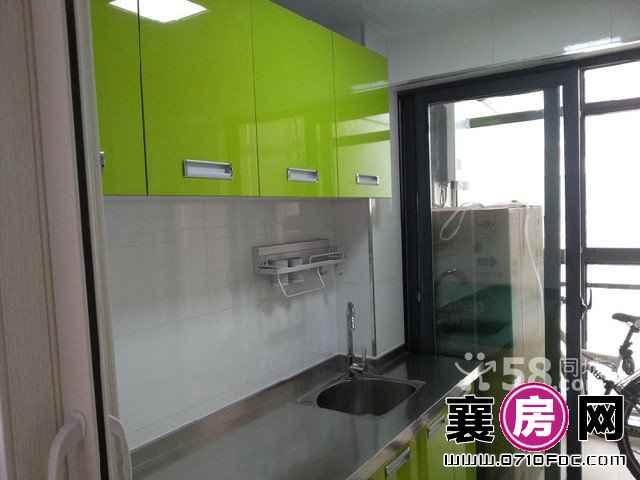 新五中朗曼梦 2室2厅80平米 精装修 有车位(个人)