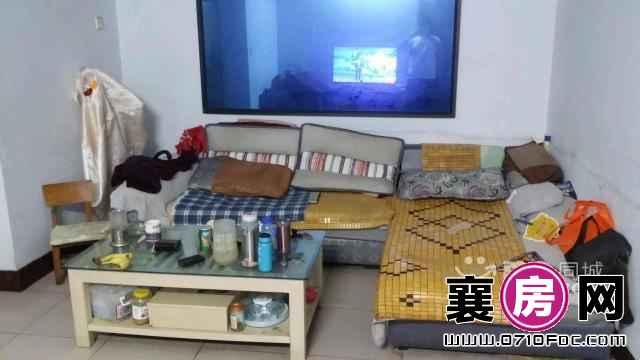 荆州街实验小学家属,四中,33中,北街附近(个人)