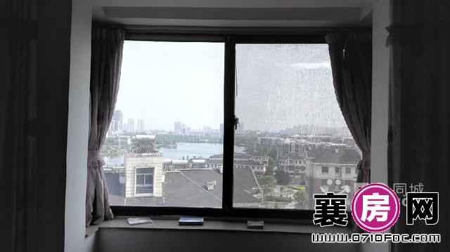 (出售) 东湖国际花园 3室2厅2卫 151㎡