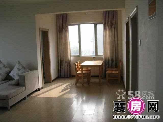 学府花苑 易居2室2厅95平米房 中等装修 年付(个人)