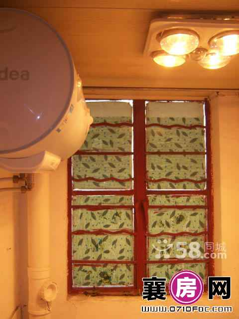 沃尔玛北侧襄 1室1厅40平米 中等装修 押一付三(个人)
