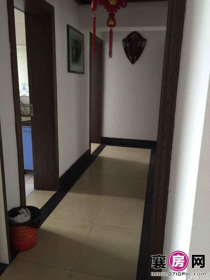 (出售) 原襄阳宾馆 3室2厅2卫 153㎡