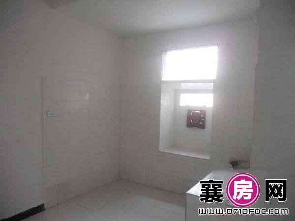 一室一厅带厨房卫生间 每月180元