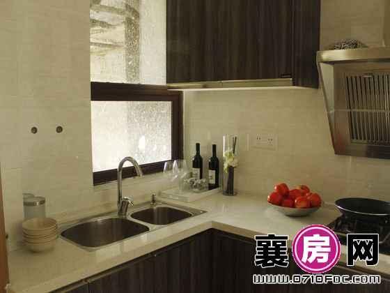 东津世纪城C2户型样板间厨房(2014-3-15)