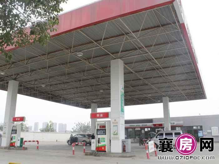 襄阳碧桂园项目旁边加油站(2015-11-3)