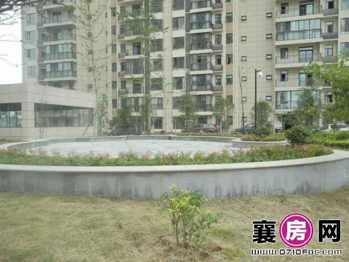 荣华卧龙公馆小区园林实景(2015-8-20)