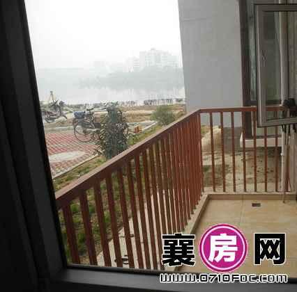 东湖国际花园望湖150㎡临湖小洋房样板间阳台