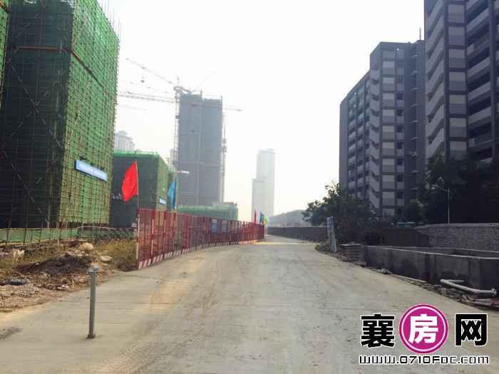 中建·状元府工地南侧实景(2015-10-16)