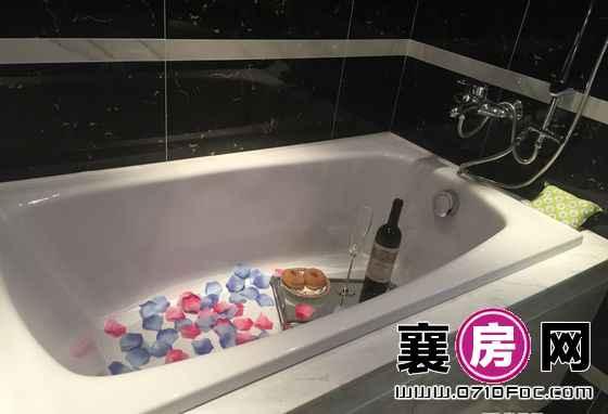 中建·状元府C1样板间主卧浴缸