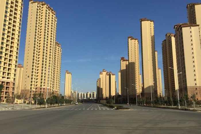 新区内宽阔的马路(2015-12-15)